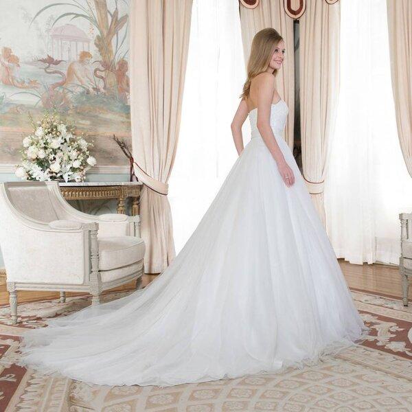 Vestido de noiva da Penhalta com decote cai-cai
