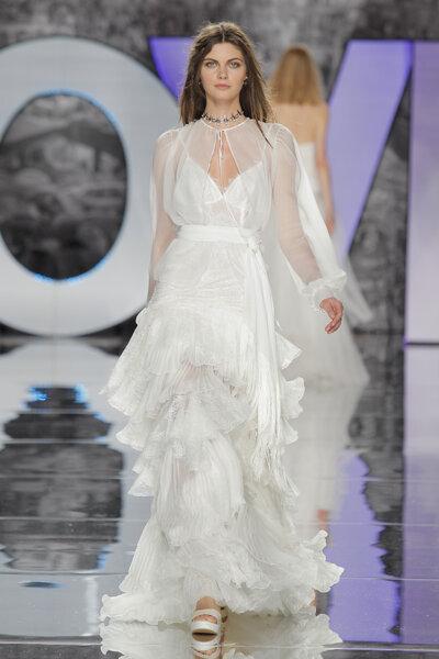 YolanCris. Credits_ Barcelona Bridal Fashion Week