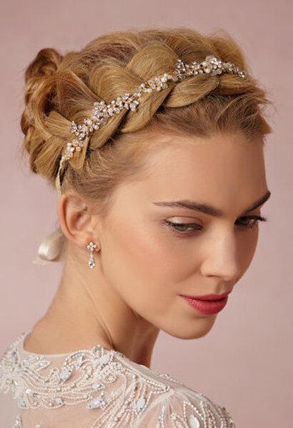 trenza lateral con diadema de cristales y perlas con cinta de satn de justin u tayor