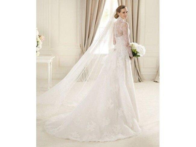 Robe de mariée en dentelle 2013