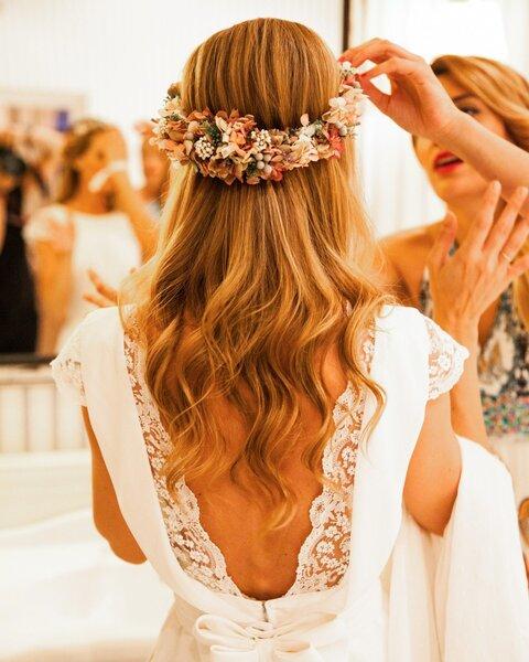 Acconciature da sposa con capelli sciolti