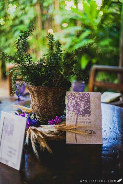 dekoration einer real wedding mit wildblumen. Black Bedroom Furniture Sets. Home Design Ideas