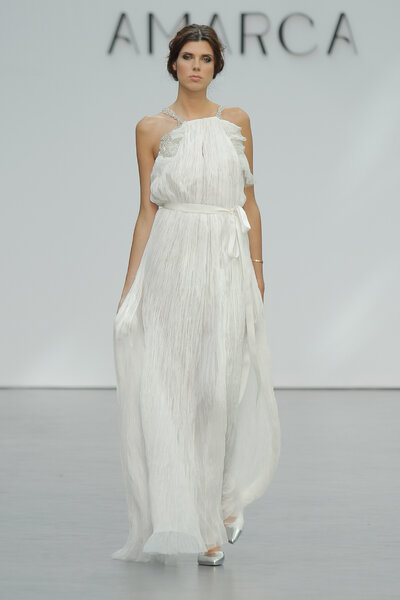 Vestidos de novia para mujeres con poco pecho. ¡Diseños que no ...
