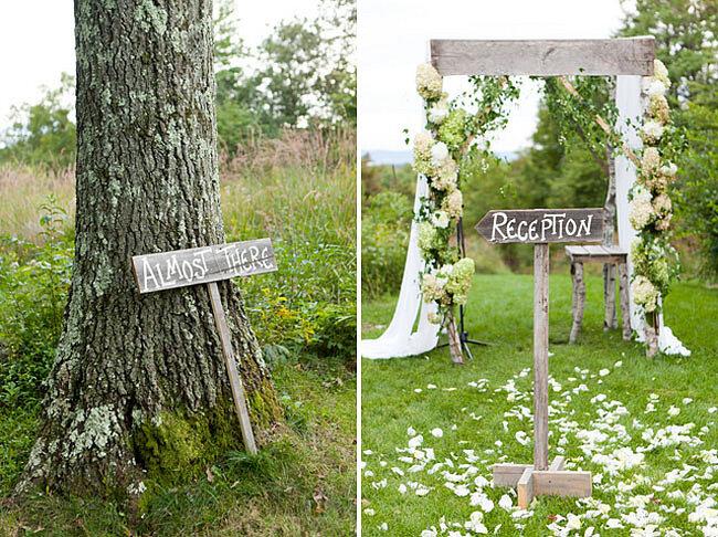 El contraste entre la decoración de madera y el follaje del campo formará un marco genial - Foto: Green wedding