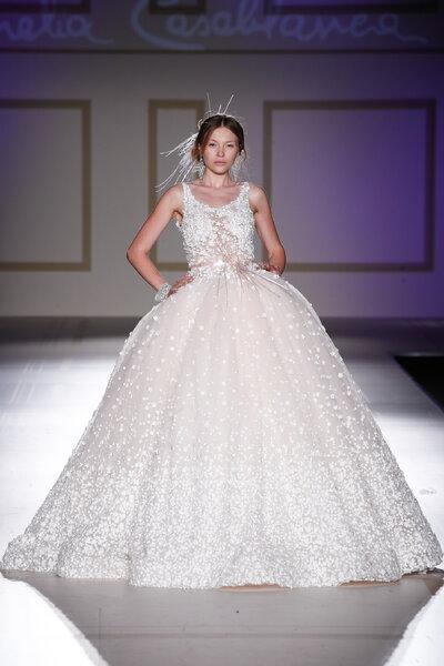 Wie im m rchen heiraten in diesen brautkleidern im for Loue robe de mariage utah