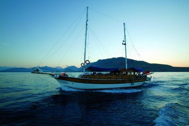 Die typisch türkischen Segelboote (Gulets) sind eine beliebte Location für Hochzeiten in der Türkei