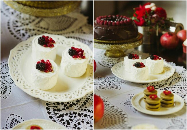Mini cakes work well at any time of year. Why not decorate them in your festive colour scheme?