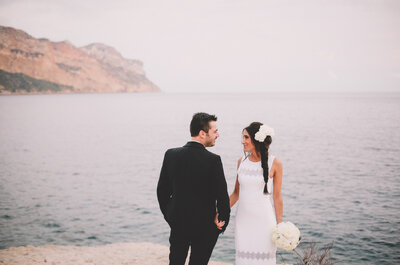 Le mariage sous le soleil des Calanques de Leslie et Steven