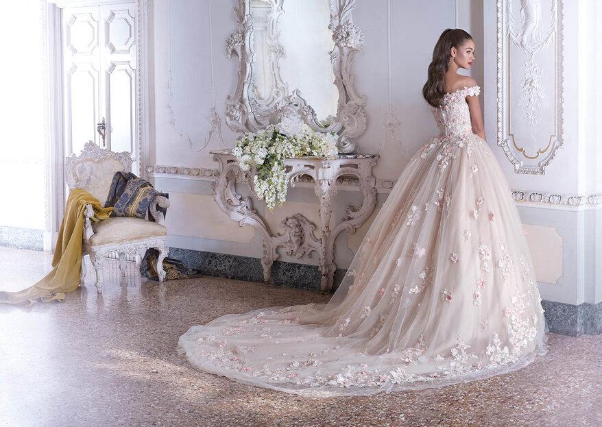 La robe dont vous avez toujours rêvé se cache chez Demetrios Paris