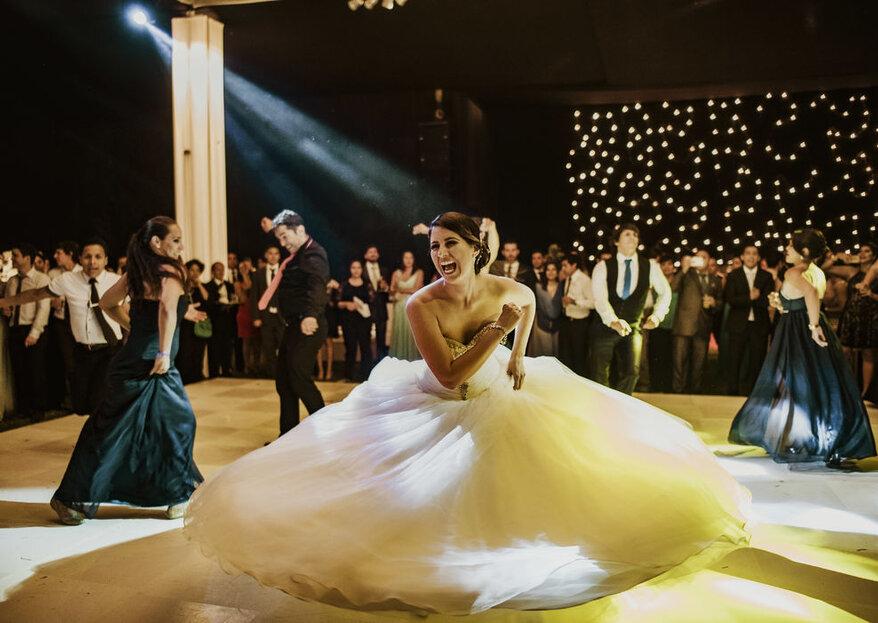 Fotos clásicas y espontáneas en el día de tu matrimonio. ¡Conoce los consejos de Verónica Cavassa!