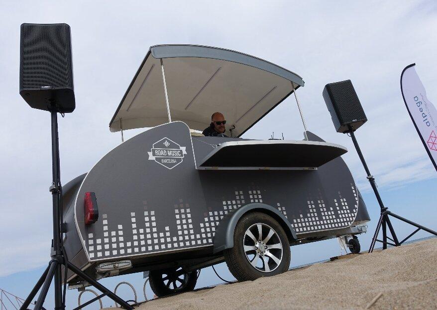 Road Music Barcelona: la chispa que necesitas para triunfar con el DJ de tu boda