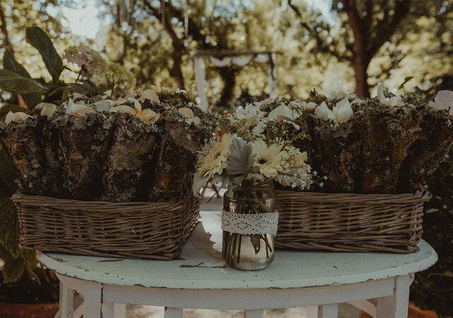 Como decorar frascos de vidro para o seu casamento em cinco passos