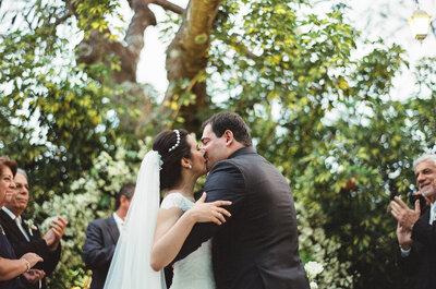 Casamento de Vanessa e Bruno em Brasília: festa ao ar livre mega personalizada em estilo rústico-chic-vintage