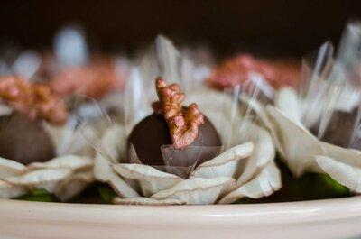 Bolo, cupcake, docinhos, chocolates, trufas... confira as delícias que não podem ficar de fora do seu casamento.