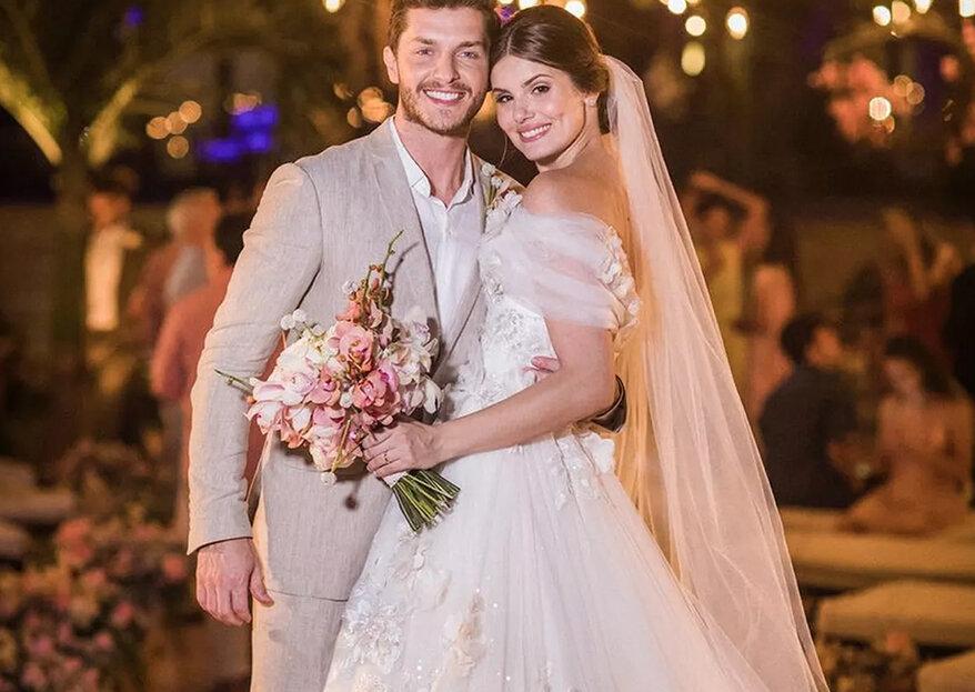 Os atores brasileiros Camila Queiroz e Klebber Toledo casaram