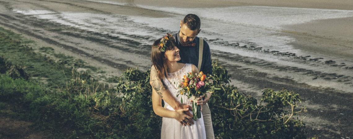 Vive una boda playera en la costa catalana