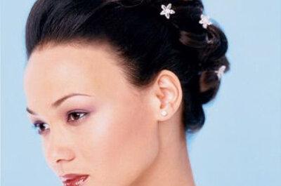 Horquillas como complemento a tu peinado de novia