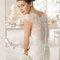 Koronkowa suknia ślubna, Foto: Aire Barcelona 2015