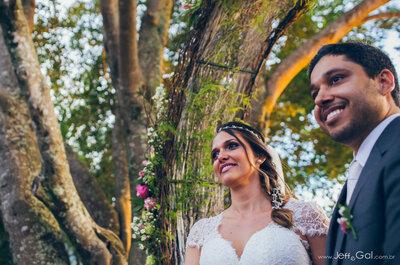 Casamento ao pôr do sol de Livia e Jorge: rústico, romântico e emocionante!
