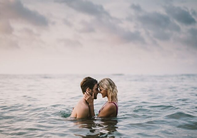 Honeymoon in Santorini, Photo courtesy of Travelshoot