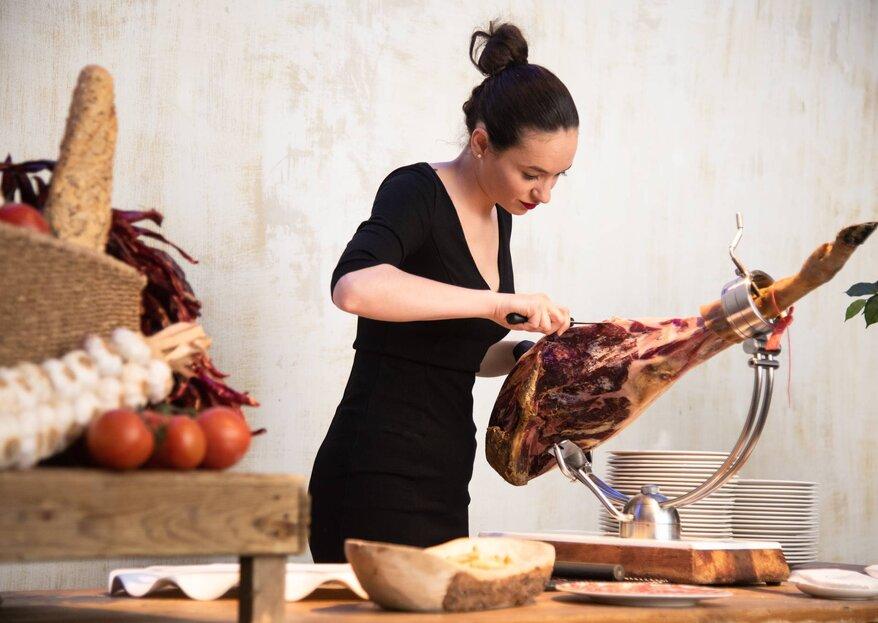 Raquel Acosta, la cortadora de jamón que es puro arte en las bodas