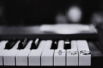 ¿Cómo integrar elementos musicales en la decoración de boda? Claves básicas para lograrlo