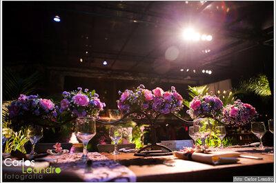 Decoración de boda en color morado y rosa, combinación favorita de novias
