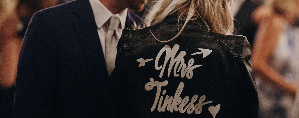 Chamarras personalizadas, la nueva tendencia para ser una novia ¡súper trendy!