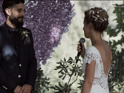 El vídeo que nunca has visto sobre cómo decir te quiero en una boda: ¡amor del bueno!