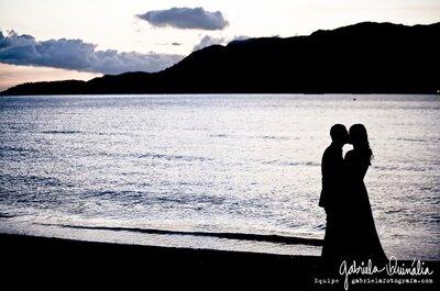 Casamento lindo na praia do litoral norte de São Paulo: o amor de Clara e Daniel