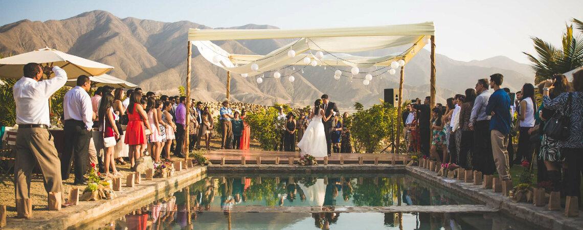 ¿Cómo decorar un matrimonio al aire libre?