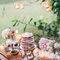 Mesa de doces perfeita para um casamento no jardim.