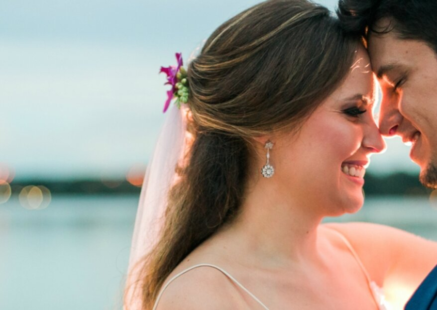 Casamento rústico de Ana e João: amor de carnaval celebrado de frente para o Lago Paranoá com trash the dress no dia seguinte!