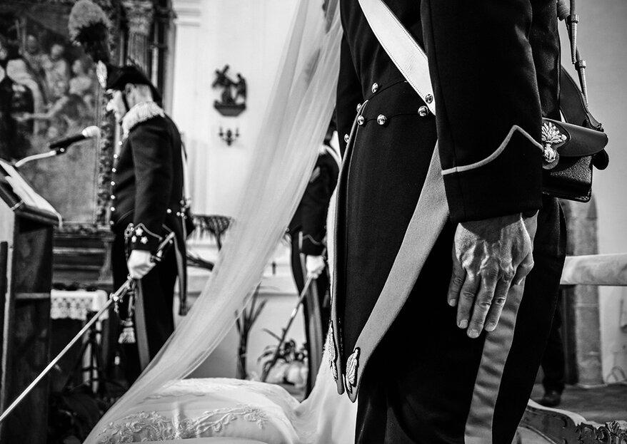 Il picchetto d'onore incornicia l'amore di Inez e Gianluca