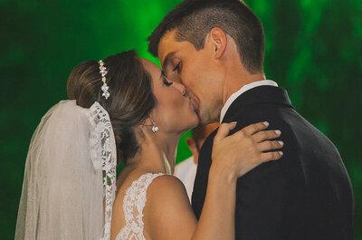 Casamento clássico ao ar livre de Fernanda e Rafael: amor e muito romantismo no Rio de Janeiro!
