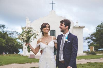O casamento tropical de Paula & Fred: todo o charme rústico de Trancoso como cenário para o sim!