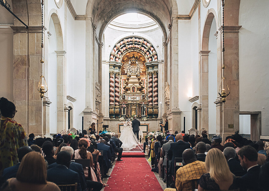 Como escolher o padre para o seu casamento católico: dicas para o fazer