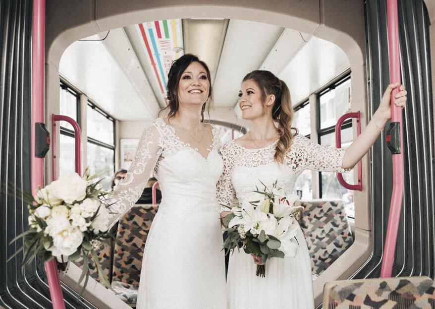 Stefanie und Julia's gleichgeschlechtliche Hochzeit im schlichten Vintage-Look