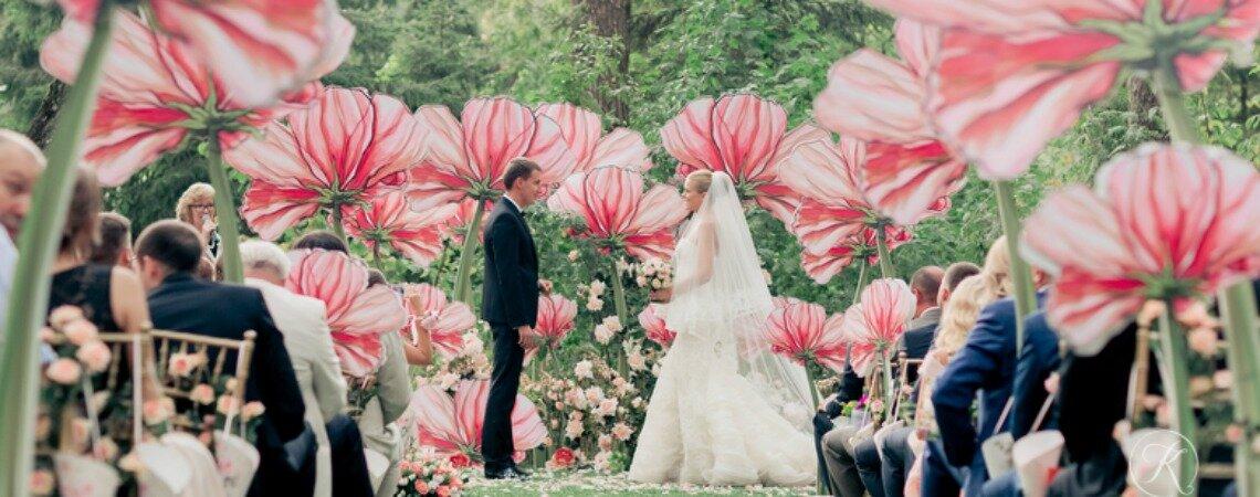 Цветы в оформлении свадьбы: интересные идеи и смелые решения!
