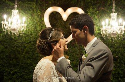 Casamento rústico à noite de Flávia e Vitor: puro romantismo!