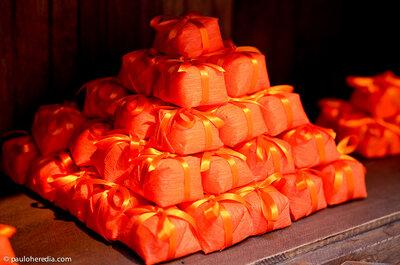 Inspire-se na alegria da decoração de casamento laranja