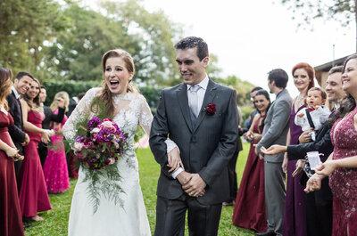 Casamento campestre de Kárita & Vinicius: rústico chic e em tons de rosa e vinho do vestido das madrinhas às flores