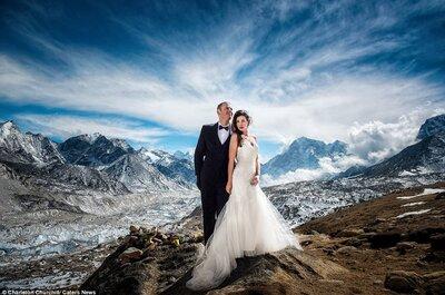 Brautkleid im Rucksack: abenteuerliche Hochzeit am Mount Everest