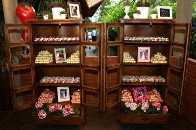 Transforme móveis em mesas de doces criativas para seu casamento