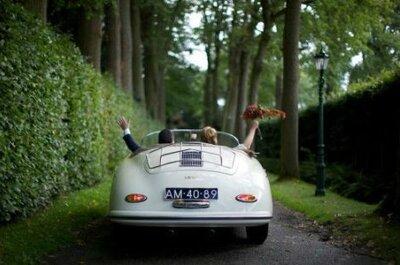 Carros antigos: estilo e personalidade nas fotos do seu casamento