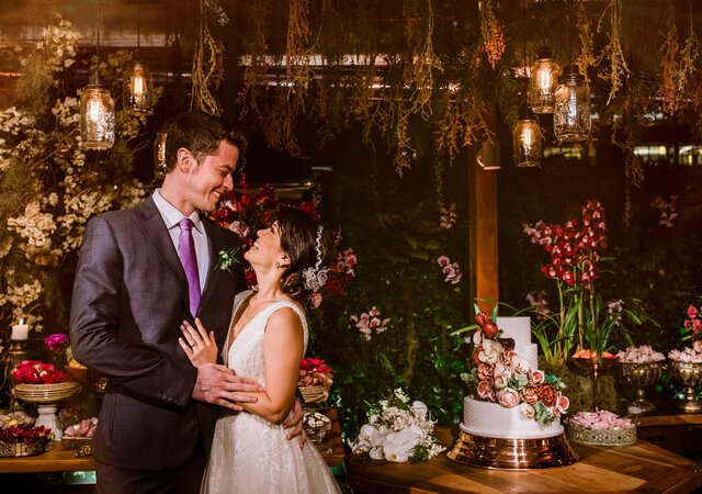 O casamento boho-chic da apresentadora Geovanna Tominaga: detalhes especiais em cada cantinho.