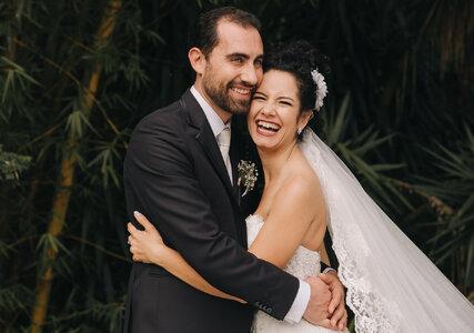 Casamento ao ar livre de Aline & Gabriele: uma união Brasil-Itália, celebrada com muita natureza e elegância em São Paulo