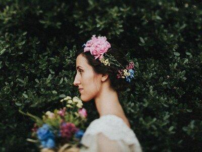 Brautstylings damals und heute: Über 50 Jahre Brautfrisuren in nur zwei Minuten!