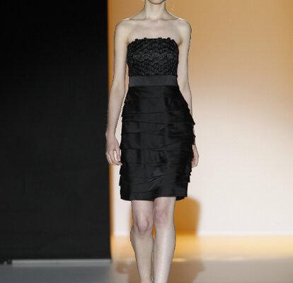 Robes Noires Top Chics Pour Les Invitees