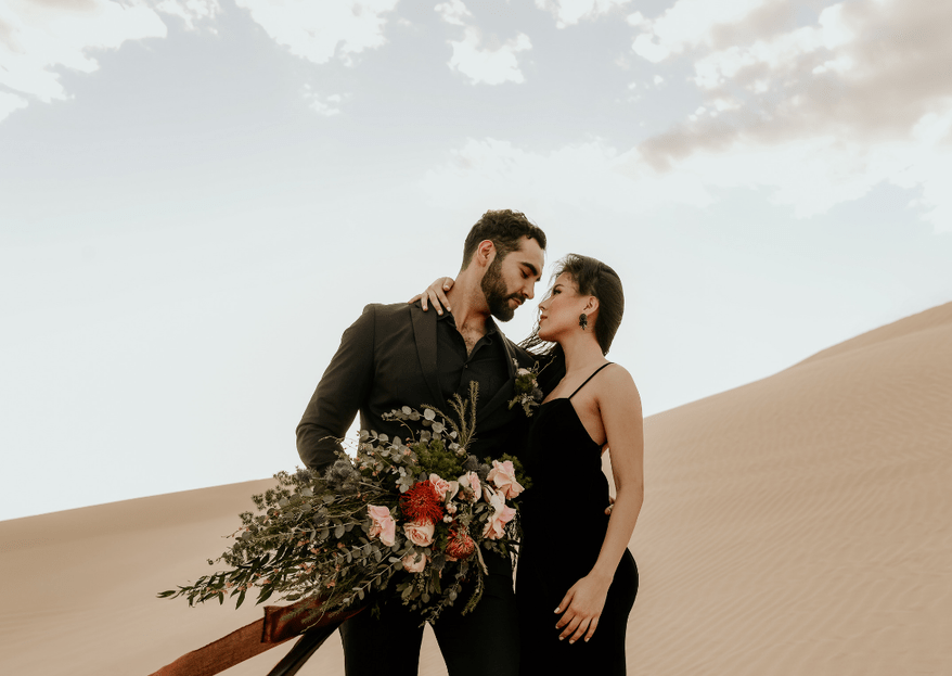 Happiness is the new black: una sesión muy chic en Glamis Dunes, California